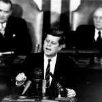 Bikini-Zitat von John F. Kennedy